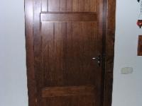 Tömör klasszikus ajtó