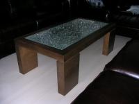 Robbantott üveges dohányzó asztal